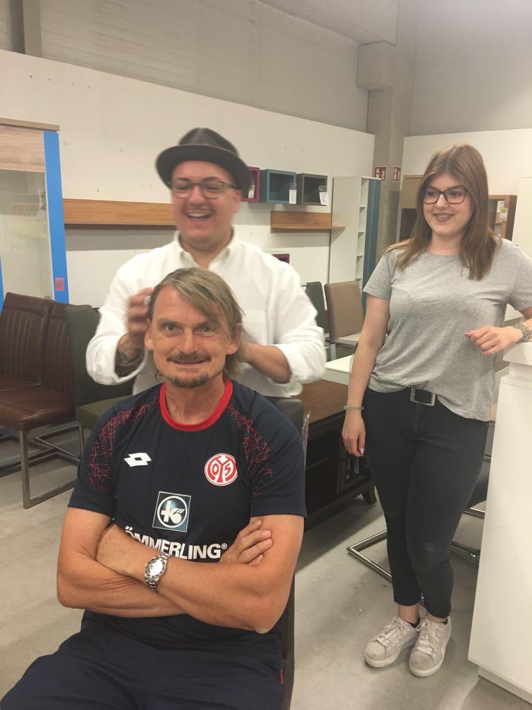 Fotoshootings Bei Möbel Martin Mit Der Mainz 05 Fußballmanschaft